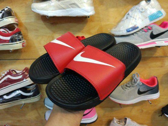 Dép Nike Benassi 01 đen đỏ
