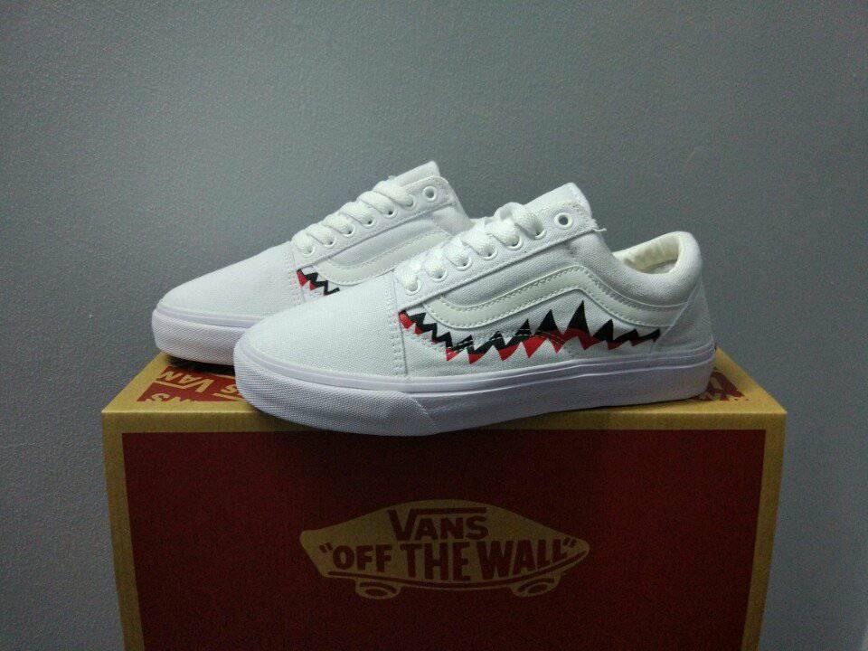 Giày Vans old skool shark trắng
