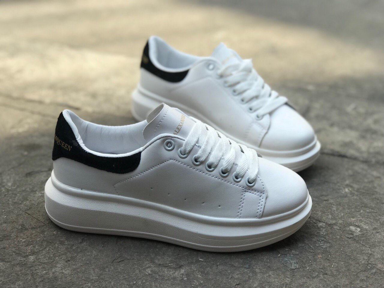 giày mcqueen f1 đen 1