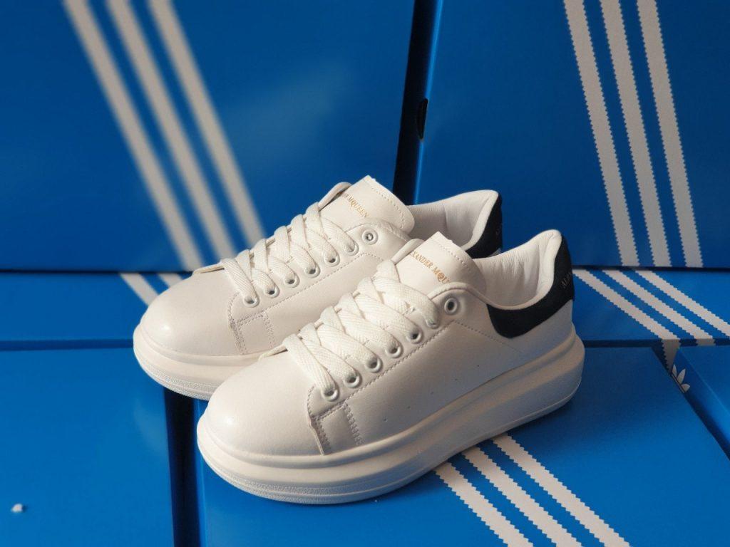giày mcqueen f1 đen 2