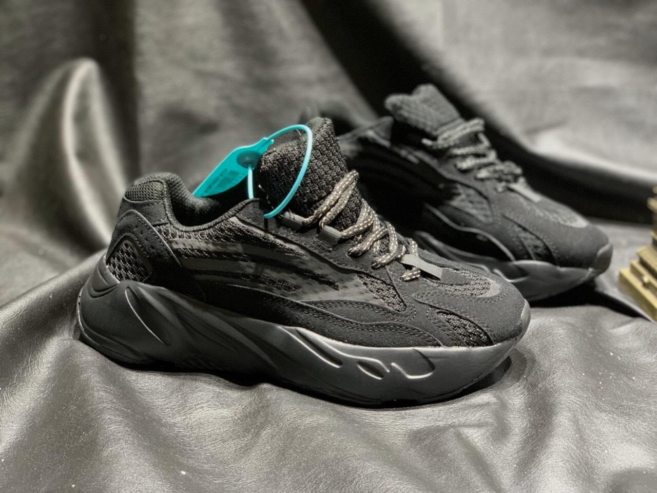 giày adidas yeezy 700 màu đen full
